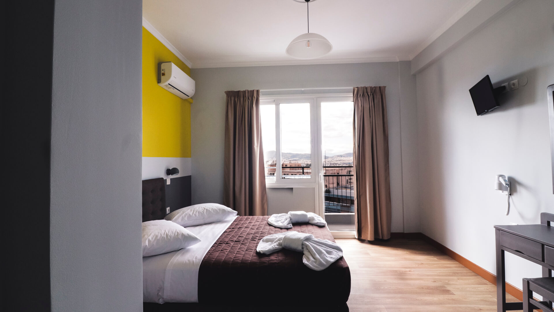 Double Room in Athens Hawks